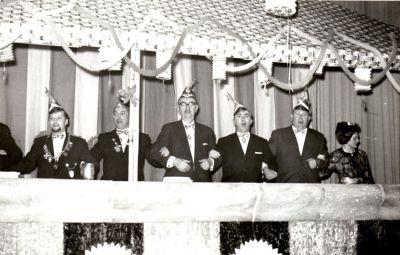 http://hessische-ludwigsbahn.de/196306.jpg