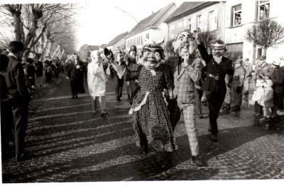 http://hessische-ludwigsbahn.de/196366.jpg