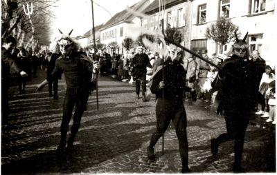 http://hessische-ludwigsbahn.de/196367.jpg