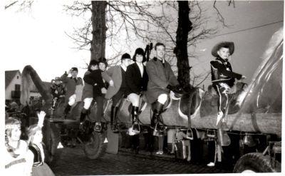 http://hessische-ludwigsbahn.de/196412.jpg