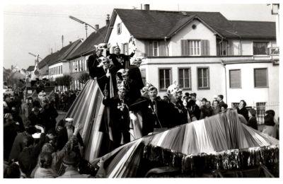 http://hessische-ludwigsbahn.de/196729.jpg