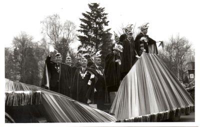 http://hessische-ludwigsbahn.de/196730.jpg