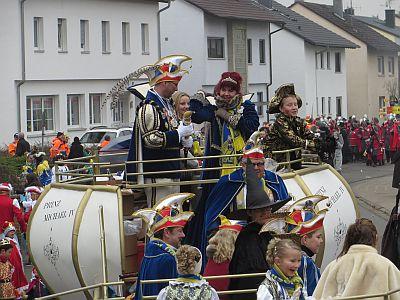 http://hessische-ludwigsbahn.de/FD1511.jpg