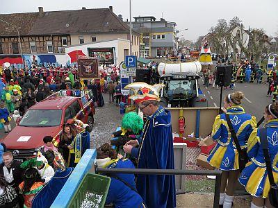 http://hessische-ludwigsbahn.de/FD1556.jpg