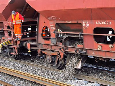 http://hessische-ludwigsbahn.de/GL2037.jpg