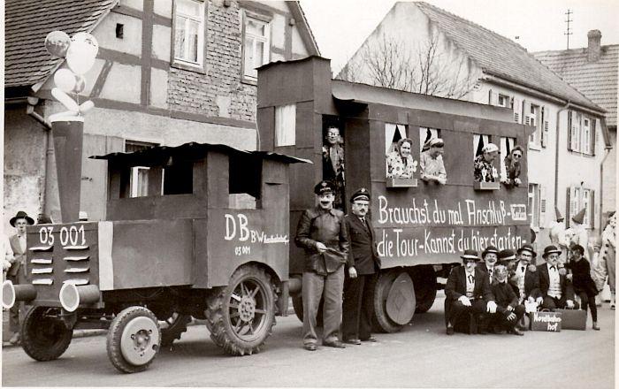 http://hessische-ludwigsbahn.de/TB111.jpg