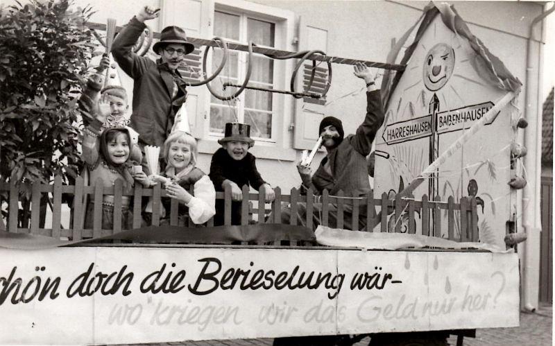 http://hessische-ludwigsbahn.de/TB221.jpg